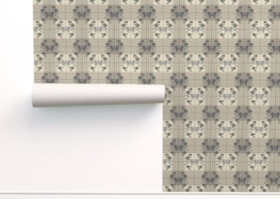 "Wallpaper with art nouveau swans bordered by flowers in half drop on a checked pattern. Main color is ""silver Cloud"" (sand)"