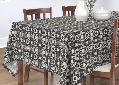 Tablecloth with celtic swan print design in pristine and black color play