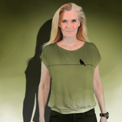 """""""Sing Bird"""" short sleeved blouse made from mtm fabric 152cm x 1meter. Ejm Art FREE Blouse & Sweater XS-XL Pattern"""" was used to cut and sew the blouse. Ground color is green and artwork black."""