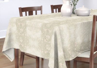 Tablecloth with wild poppies print design in pristine color play (off-white/creme)