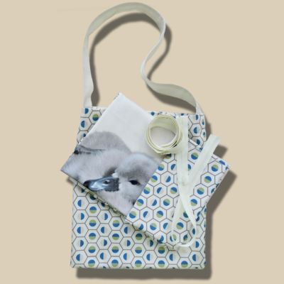 Geo The Duckling, olive blue. Bedding kit for baby´s. Pillow and duvet cover for diy creatives to simply cut & sew. Zippers, labels and sewing instructions included.